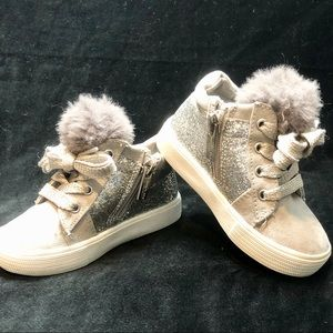 Kenneth Cole Gray/Silver Sparkles& Pom Poms